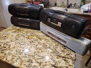 lot of 4 Panasonic Stereos   Model     RX FS400  RX FW18  RX FS460  RX F410