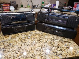 lot of 4 General Electric Stereos   Model     3 5632A  3 5639A  3 5622A  3 5624A