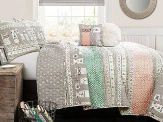 4pc Twin llama Stripe Quilt Set with llama Throw Pillow Pink