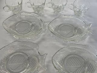8  PC Fish Tray Party Set w  Punch Cups