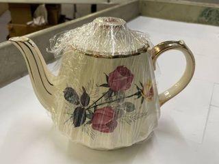 Sadler Teapot  Pattern 3025  Rose with Gold Trim