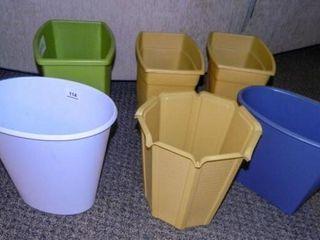 Plastic Trash Can Assortment   6
