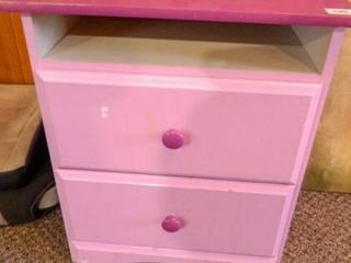 Cabinet w 2 drawers