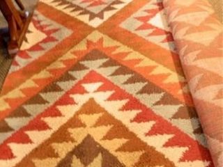 Area Rug  10  x 15  Approx
