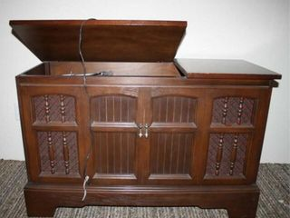 Record Player Cabinet  Poowers on
