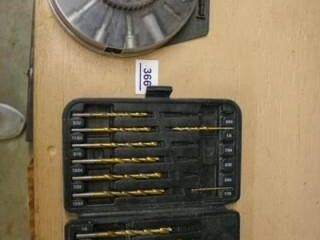 Black and Decker Drill Bit set  Round Case with Dr