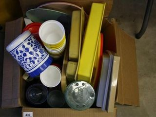 Box of kitchen Plastic items