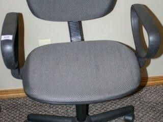 Rolling Office Chair  Height Adjusts