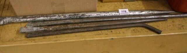 Metal Pry tools 4 pieces