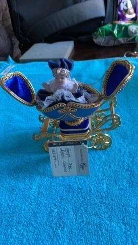 AUTHENTIC EGG  GOOSE EGG ROYAl CHARIOT