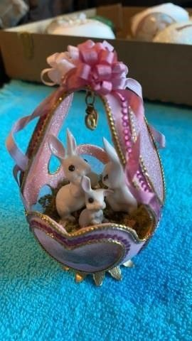 AUTHENTIC EGG SHEll BUNNIES