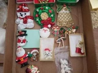 VARIETY OF CHRISTMAS BROOCHES