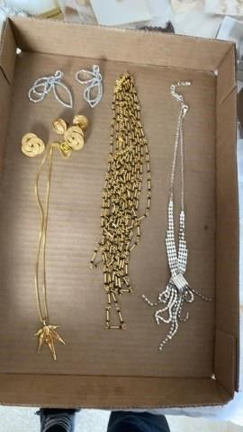 ClIP ON EARRINGS AND NECKlACES