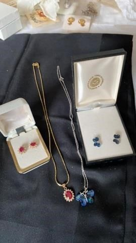 2 SETS OF NECKlACES AND EARRINGS