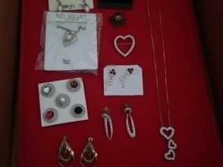 VARIETY OF BEAUTIFUl EARRINGS AND NECKlACES AND