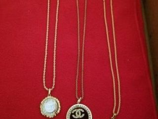 3 CHANEl GOlD CHAINED NECKlACES