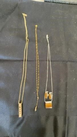 3 NECKlACES   GOlD   TIGERS EYE SET OF EARRINGS
