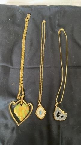 3 BEAUTIFUl NECKlACES