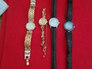 2 CHANEl GOlD WATCHES AND 2 BlACK BAND WATCHES
