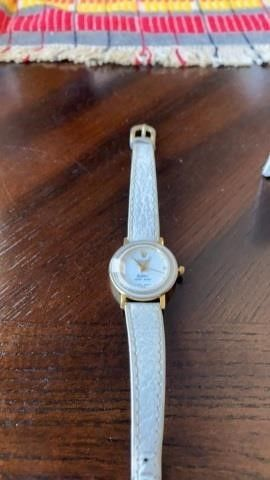 WHITE lEATHER BAND ROlEX WOMEN S WATCH