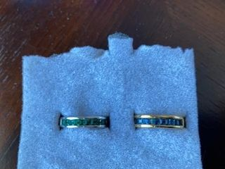 DAINTY GREEN AND BlUE STONES SIZE 6 BANDS