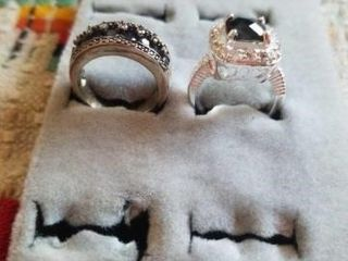 2 SIlVER BAND SIZE 6 RINGS