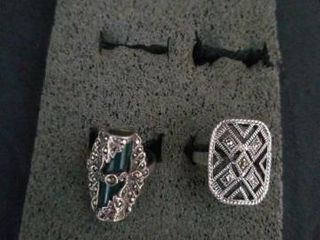 2 STERlING SIlVER RINGS  SIZE 6