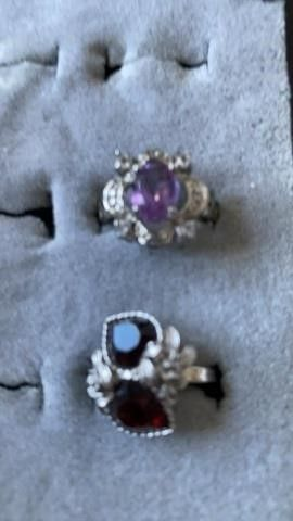 2 SIZE 6 RINGS   DOUBlE HEARTS AND lIlAC STONE