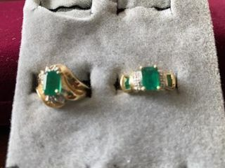 EMERAlD COSTUME RINGS SIZE 6