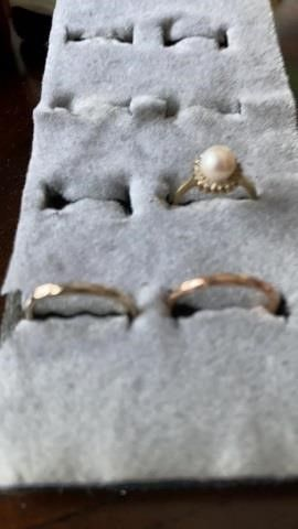 NARROW BANDS AND PEARl lOOKING RING   SIZE 6