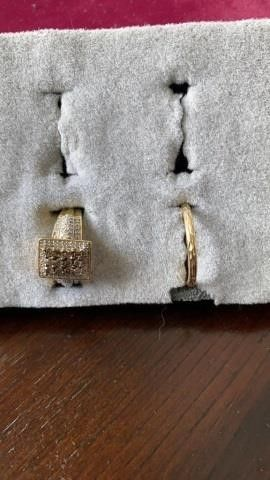 SQUARE JEWElED SIZE 6 AND NARROW BAND
