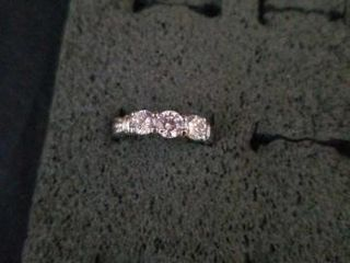 STERlING SIlVER BAND AND 3 CUBIC ZIRCOONIA