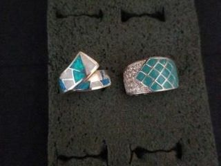 TURQUOISE COlORED STERlING SIlVER RINGS  SIZE 6