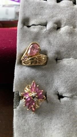 GOlD BANDS WITH PINK STONES  SIZE 6