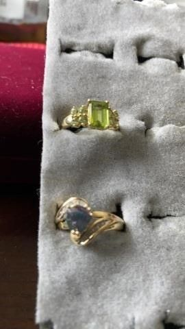 GOlD BANDS  GREEN AND COlOR CHANGING STONE   SIZE