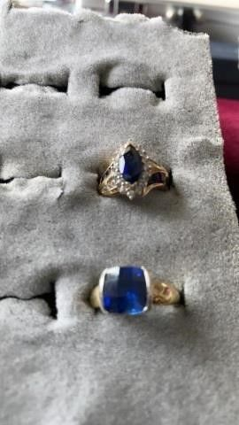 GOlD BANDS WITH PRETTY BlUE STONES AND JEWElS