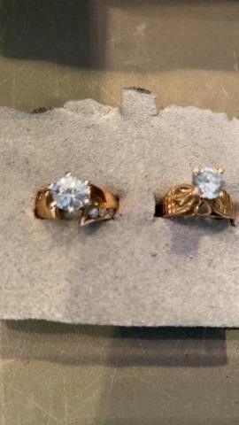 2 GOOD BANDS WITH BIG DIAMOND lIKE STONES   SIZE