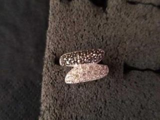 SIZE 6  STERlING SIlVER BlACK AND WHITE DIAMOND