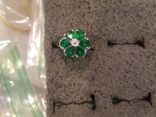 STERlING SIlVER EMERAlD SIZE 6 RING