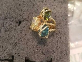 CUBIC ZIRCONIA SIZE 6  GOlD BAND  RING