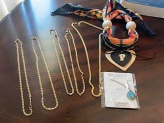 5 CHAINS   PENDANT NECKlACE AND ClOTH NECKlACE