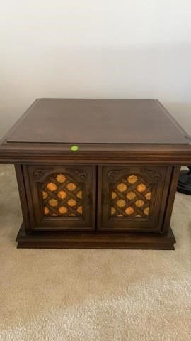 1960IJS END TABlE lIKE NEW WITH ORANGE ACCENTS
