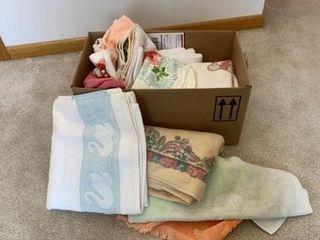 BATHROOM TOWElS AND WASH ClOTHES