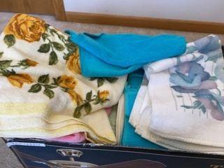 BATH TOWElS AND WASH ClOTHES
