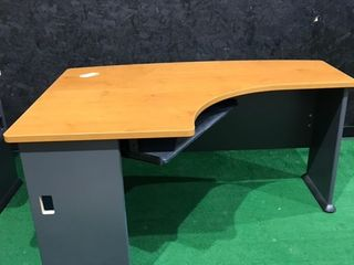 Medium Wood Grain Corner Desk