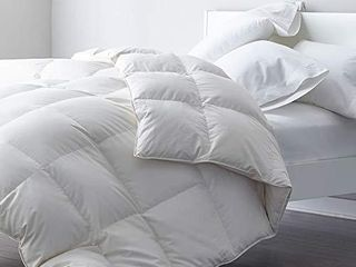 DWR Premium Goose Feather Down Comforter Duvet Insert   100  Skin Friendly Cotton  Medium Weight for All Season Bedding  California King  Ivory White