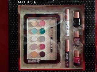 Disney Minnie Mouse Eye  lip and Nail Gift Set