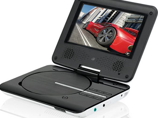 GPX 7  PORTABlE DVD PlAYER  DVD CD PlAYET SWIVEl SCREEN RECHARGEABlE BATTERY PD701VPB