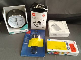 lOT OF MISC ElECTRONIC ITEMS
