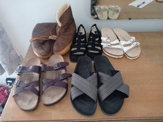 lot Of 5 Pairs Of Assorted Womens Shoes Sizes 7 8 5 Birks Mootsies Etc